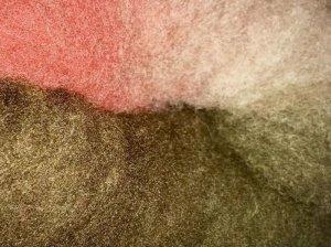 画像1: 最終価格!HandDye「酒井さんの羊 グラデーション仕上げ「B」茶〜濃苔〜ベージュ+薄赤 (1)